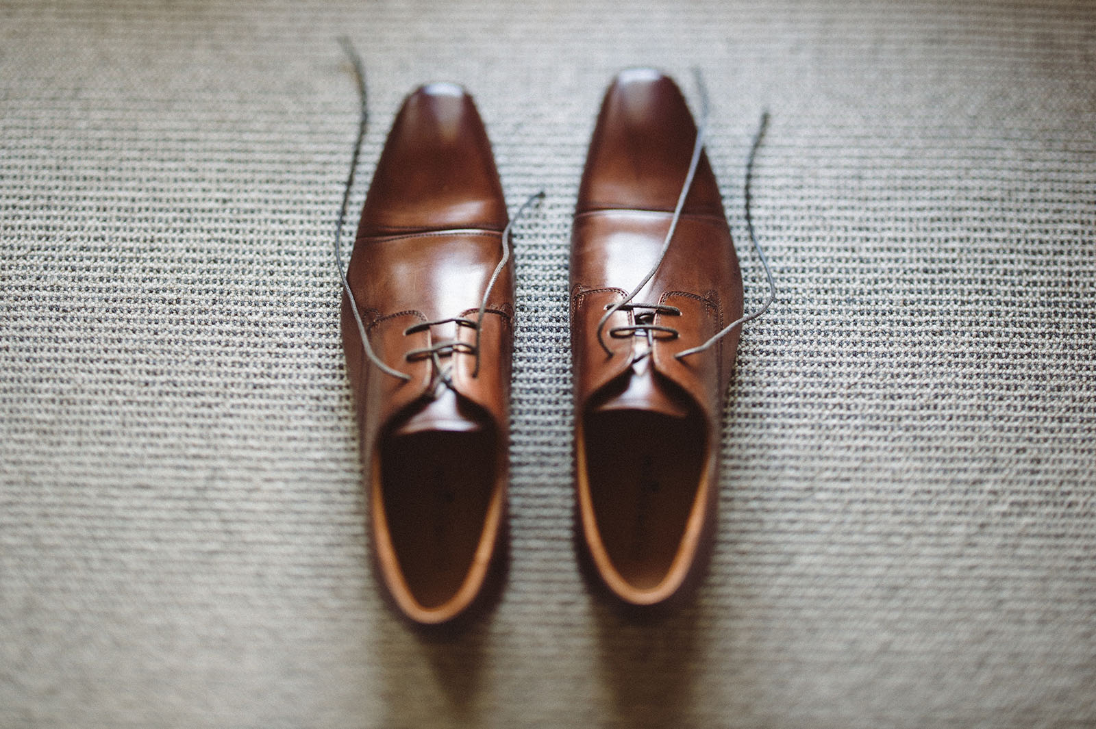 groom shoes hunter valley wedding photographer