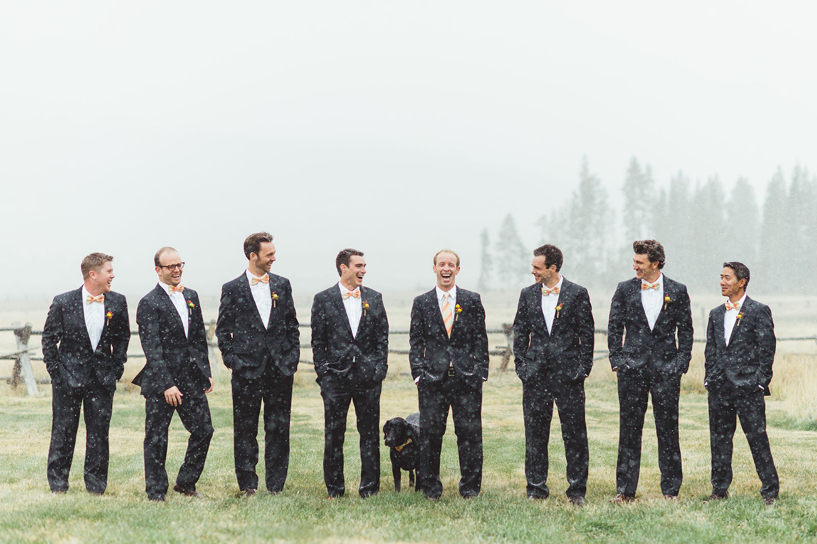 Colorado wedding photo groomsmen